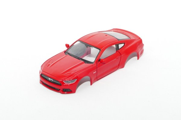 Ford Mustang GT 2015 / 1:43 inkl Adapter / rot