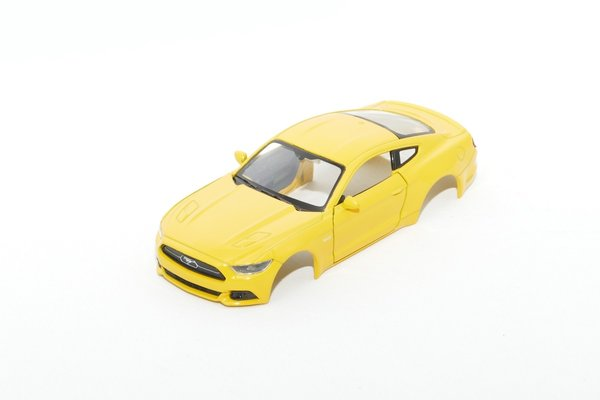 Ford Mustang GT 2015 / 1:43 inkl Adapter / gelb